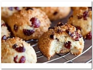Печенье творожное с вишней, шоколадом и миндалем - рецепт приготовления