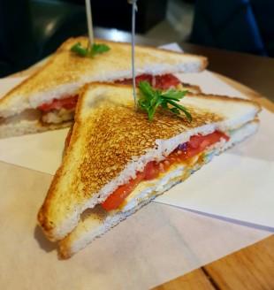 Клаб-сэндвич в Buffalo's