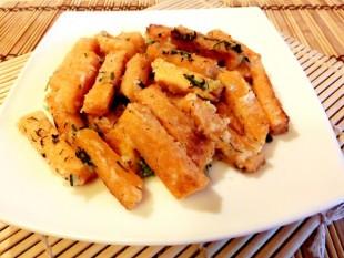 Жареная тыква с чесноком - рецепт приготовления